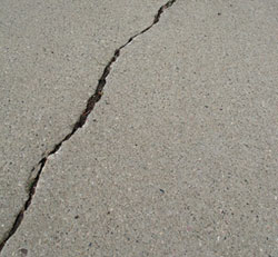 driveway crack How to Grade a Driveway: Back to Basics